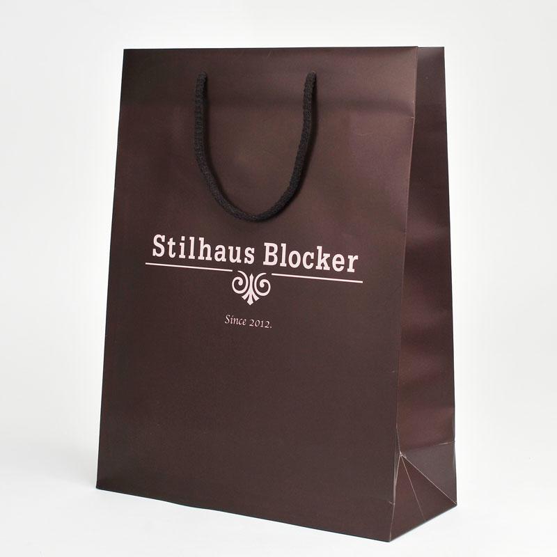 Papiertaschen hochformatig für Herrenausstatter