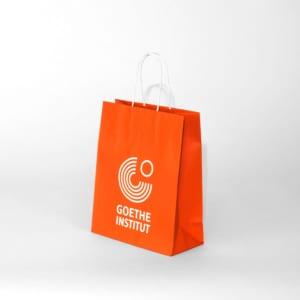 Kleine Papiertasche mit Kordel