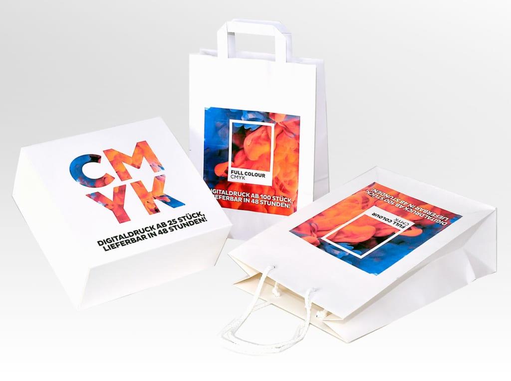 Papiertragetaschen und Kartonagen 4-farbig im Digitaldruck bedruckt
