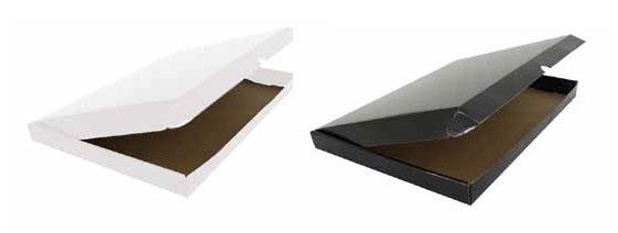 Versandkarton aus kaschierter Wellpappe in schwarz und weiss